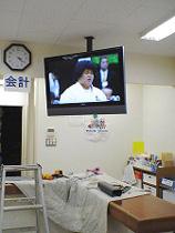 大型テレビの壁面取付